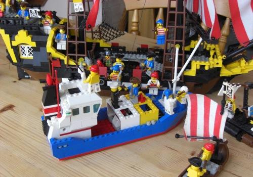 Pirates capturing the ship