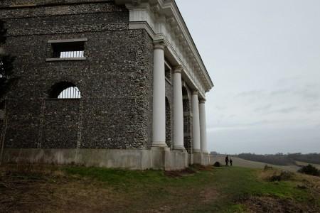 mausoleum_scale