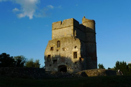 castle_scale